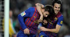villa-celebrates-with-cesc