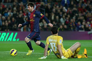 messi rounds the osasuna keeper