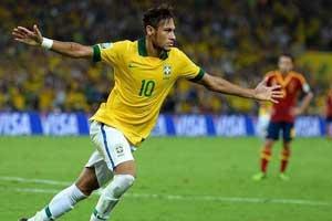 Neymar scores against Spain