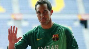 claudio bravo signs for barcelona